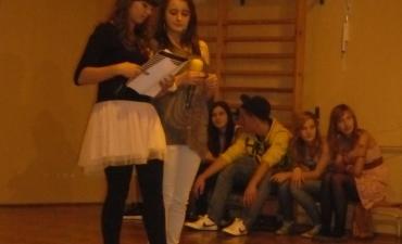 2011_10_Pasowanie klasy I Gimnazjum_11