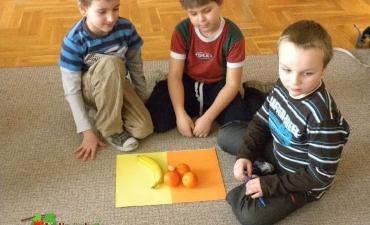 2012_03_5 porcji warzyw, owoców lub soku